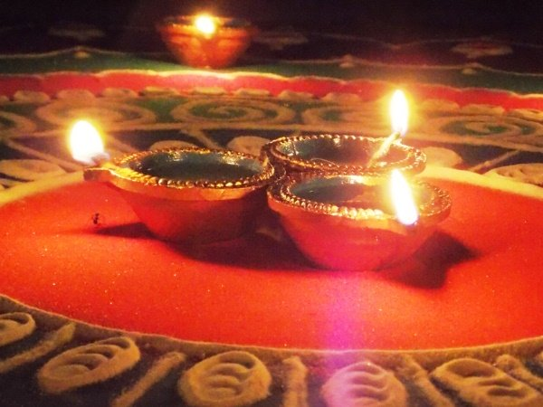 Importance Of Lighting Diyas In Diwali