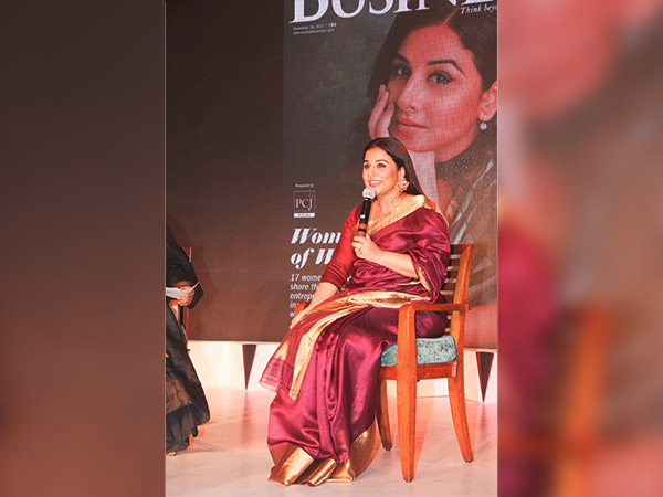 vidya balan in kanjivaram sari at women of worth awards