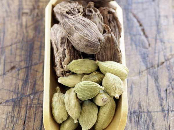 health benefits of cardamom water