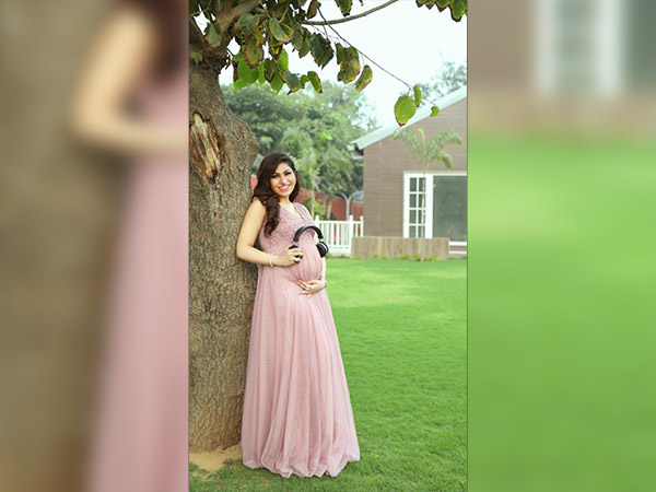 tulsi kumar maternity photoshoot