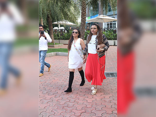 rani mukerji with vaibhavi merchant
