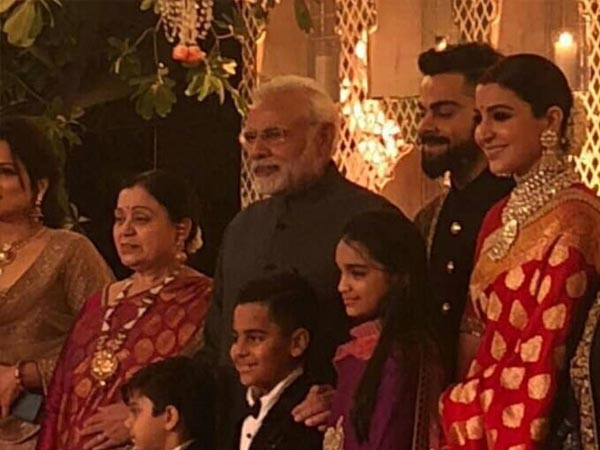 narendra modi at virat anushka's reception party