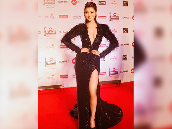 urvashi rautela trolled for her filmfare awards gown