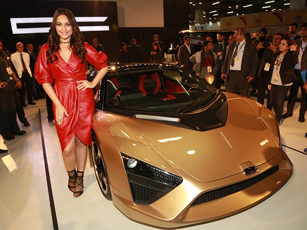 sonakshi sinha launcheed dc car at auto expo