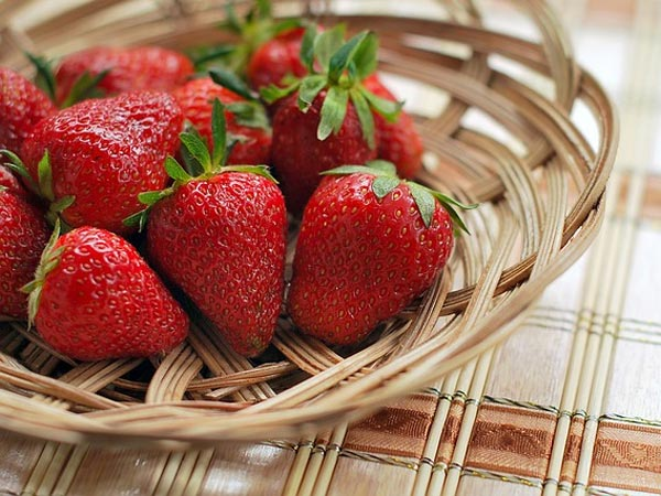 10 Wonderful Beauty Benefits Of Strawberries For Skin And Hair