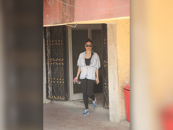 Kareena Kapoor Pulling Off Her Chambray Shirt Will Give You Workout Style Goals