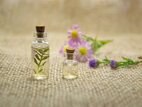 Top Essential Oils and Their Magical Effects On Skin And Hair