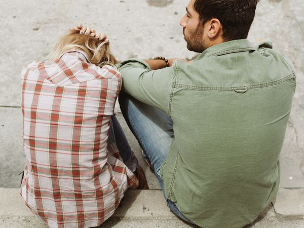 Are You Being Clingy? Avoid Being So In A Relationship.