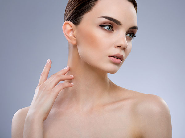 Want To Get Rid Of Neck Wrinkles? Try These Natural Remedies