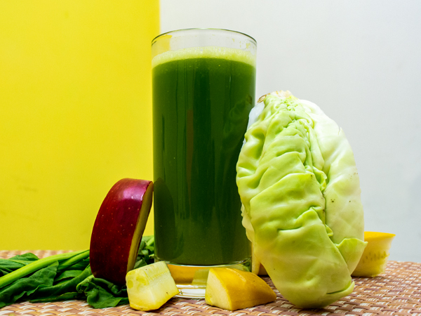 Cabbage-Apple Juice For Weight Loss And Gut Health