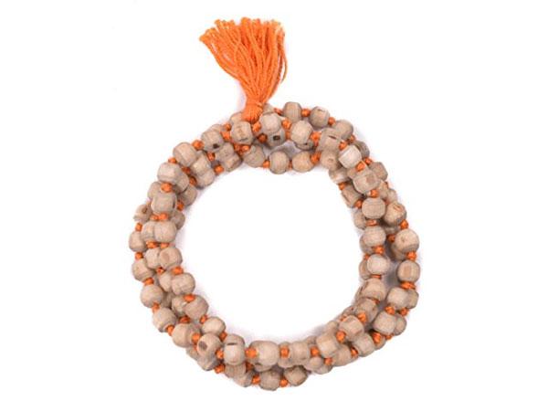 Tulsi Mala – Rules To Follow & Benefits Of Wearing It