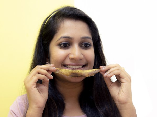 Get Sparkling Teeth Using Banana Peel
