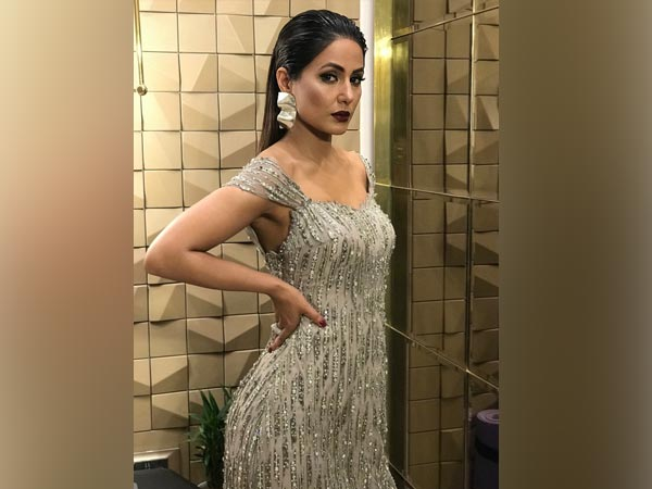 And Finally Hina Khan Wooed Us In This Dreamy Gown At The Gold Awards 2018