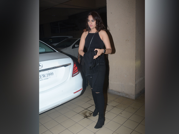 Sonakshi Sinha's Black-Hot Look Will Leave Your Screen In Ashes