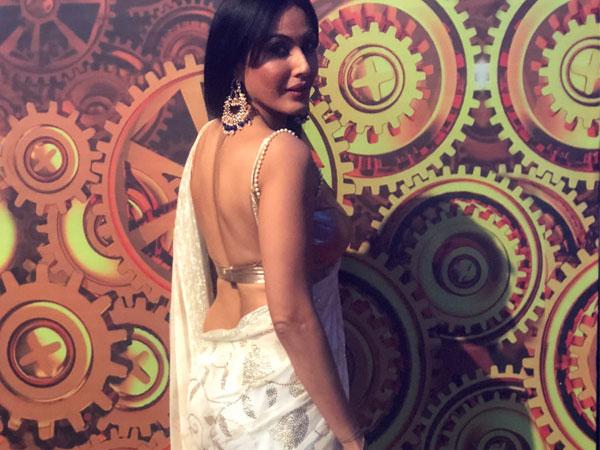 Kamya Panjabi's Eye-Catching Sari Will Give You Brand New Sari Goals