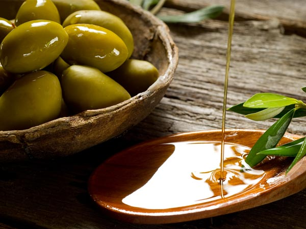 olive oil for nails