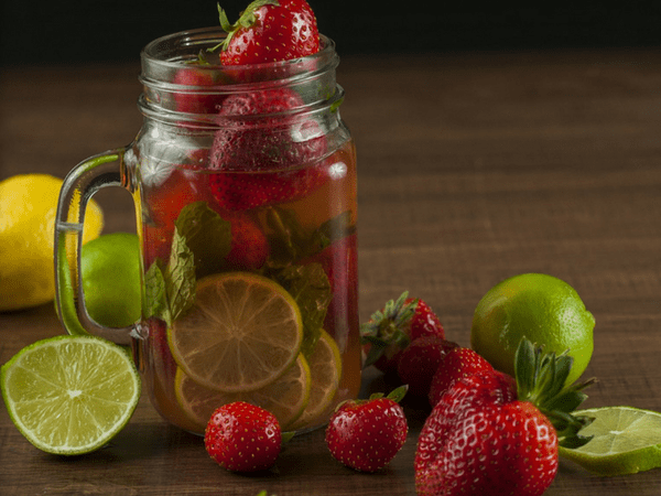 Natural Vitamin Detox Water For A Flat Belly