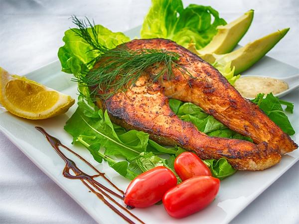 Manfaat mengonsumsi ikan laut