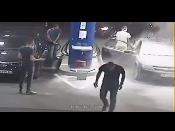 the video where the man refused to put off his cigarette at a petrol pump