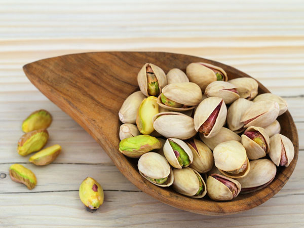 pistachios and belly fat