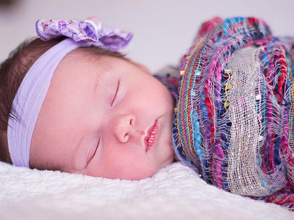 How To Position A Sleeping Baby? - Boldsky com