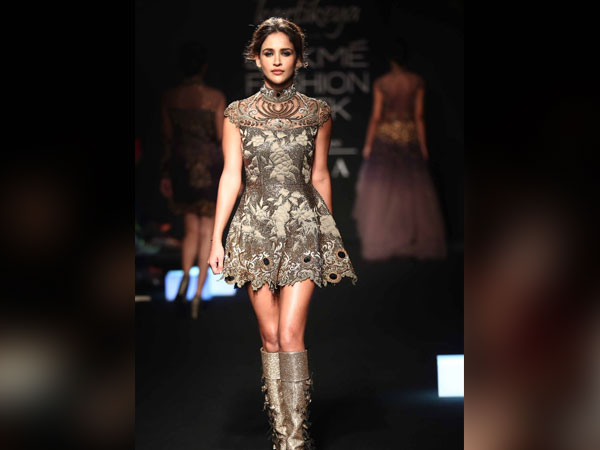 Aisha Sharma Lakme Fashion Week 2018