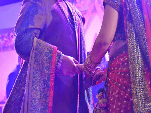 Awkward Things That Happen During Every Desi Shaadi