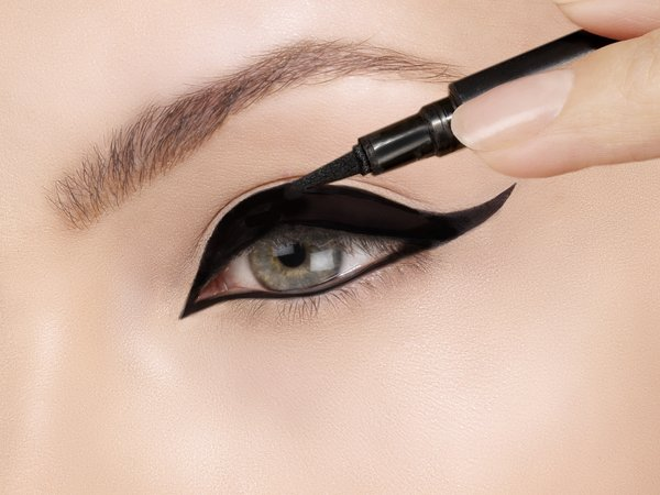 Want to have those perfect eyeliner strokes?