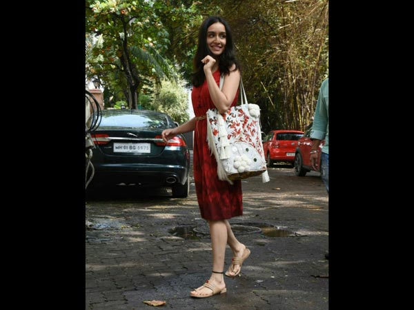 Shraddha Kapoor Looks Cute And Classy In This Beautiful Number