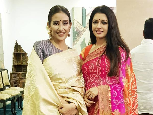 Bhagyashree & Manisha Koirala Donned Graceful Saris And Gave Us Our Pic Of The Day