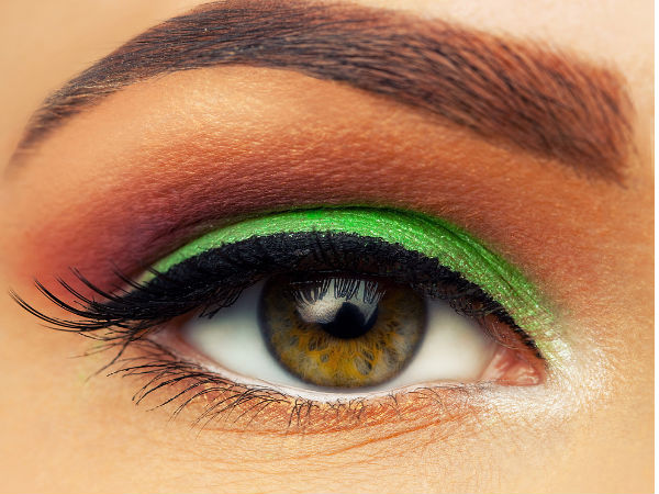 Contact Lens Make up Tips