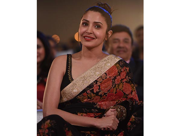 anushka sharma suffers bulging disc