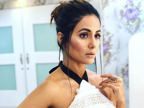 Hina Khan's Layered Dress Is Perfect For  A Vineyard Vacation
