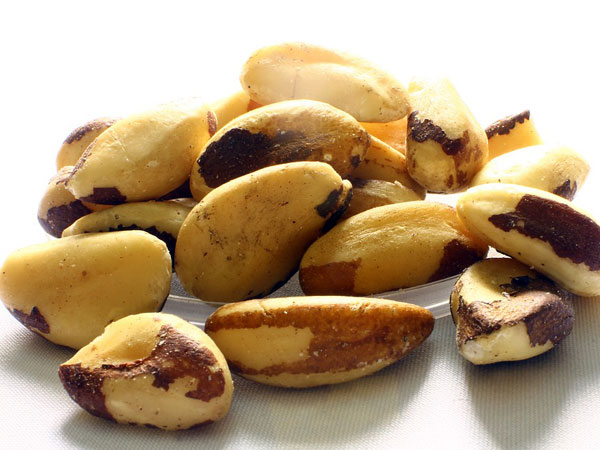 how many brazil nuts a day