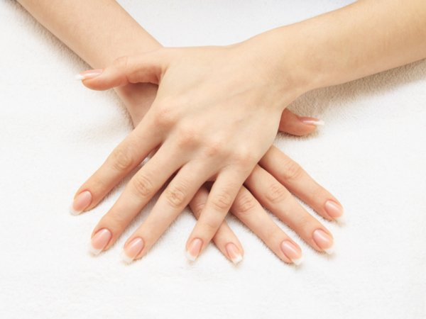 Hot Stone Manicure: What Is It & How To Do It - Boldsky.com