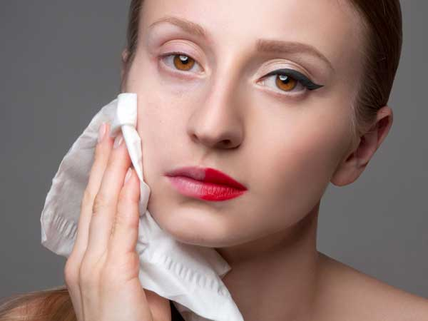 Are You Too Making These Mistakes While Removing Make-up?