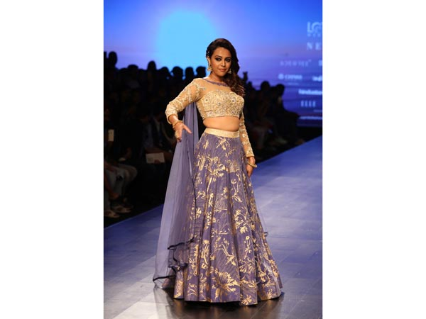 Swara Bhasker Lotus Makeup FDCI India Fashion Week 2018
