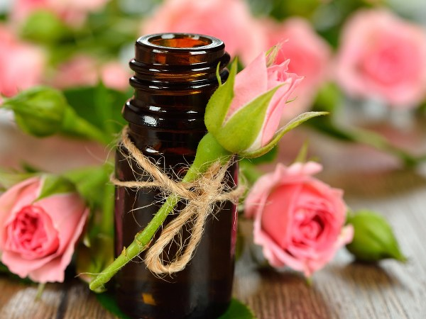 Benefits Of Rosehip Oil For Skin & Hair