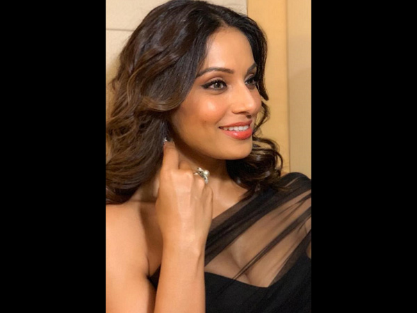 Bipasha Basu fashion