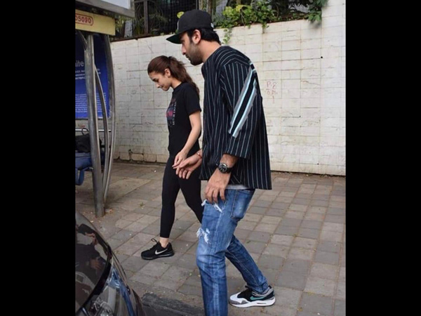 Out For A Morning Stroll? Take Fashion Lessons From Alia Bhatt And Ranbir Kapoor