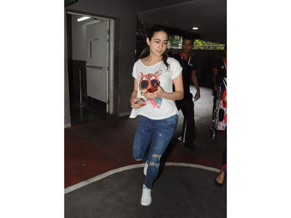 Sara Ali Khan Airport Look