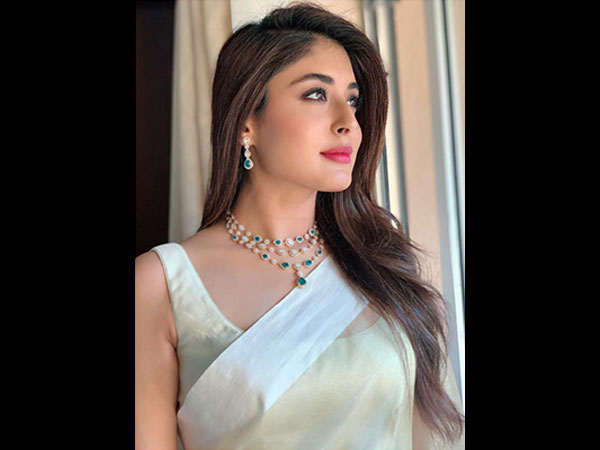 BFF Of The Bride? Kritika Kamra's Sari Is What Will Make You Look A Class Apart