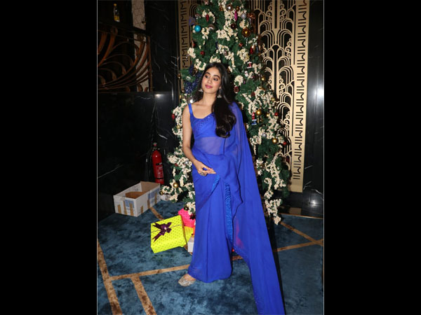 Janhvi Kapoor's Stunning Sari Is An Ode To Her Mother, Sridevi
