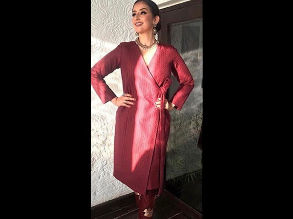 Of Cigarette Pants and Overlapping Kurta, Manisha Koirala's Ethnic Look Is Pretty Modern