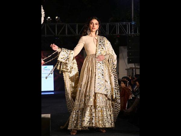 Aditi Rao Hydari Walks For Designers Abu Jani And Sandeep