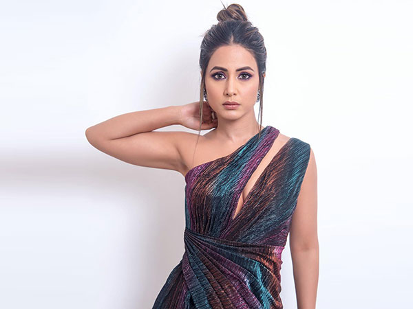 Hina Khan Chooses A Metallic Iridescent Gown For The Indian Telly Awards 2019
