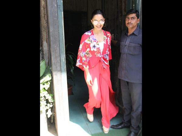 Kiara Advani's Latest Outfit Has A Kimono Inspiration