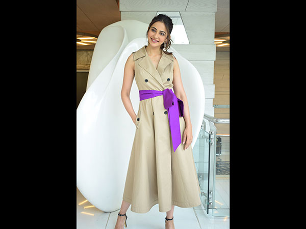 Rakulpreet Fashion
