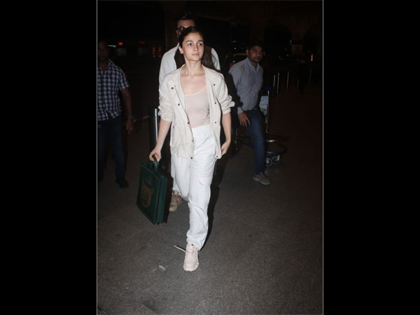 Alia Bhatt Airport Look