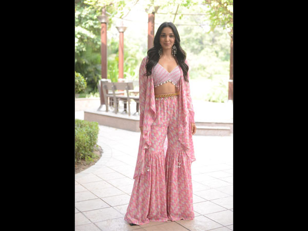 Kiara Advani Gives Us Festive Attire And Look With This Gharara Set